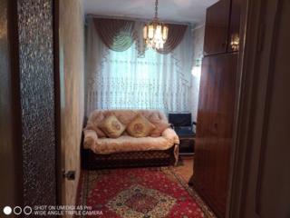 Срочно продам 2-х комн квартиру 2/5 середина 21800 евро!