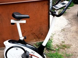 Велотренажёр электрический велоэргометр 2012 года из Германии