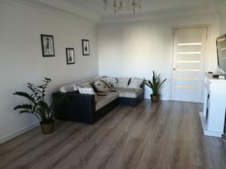 Va prezentam spre vinzare apartament cu 3 odai in sectorul Botanica. .