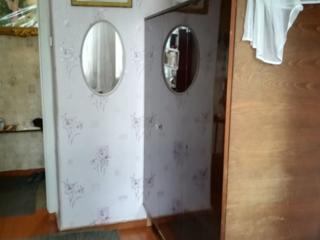 Шкаф платяной прошу 100 лей