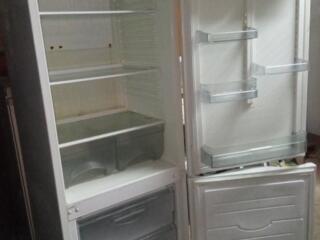Минск Атлант, морозилка снизу, 175см. Отличное состояние. Цена 1700р.