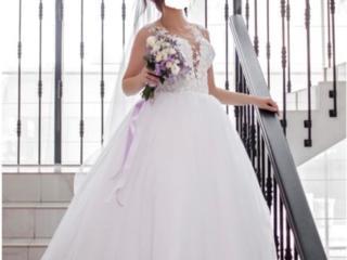 Продам свадебное платье, не венчанное (после химчистки)