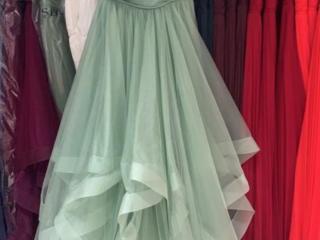 Шикарное вечернее платье продам