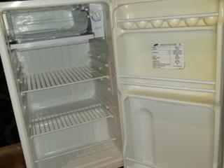 Холодильник SAMSUNG. Масляный обогреватель 250р, камин 800р.