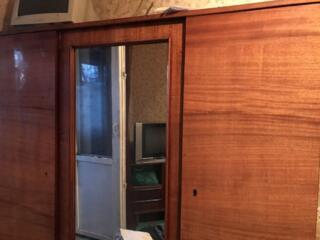 3-створчатый шкаф, шкаф открытого типа.