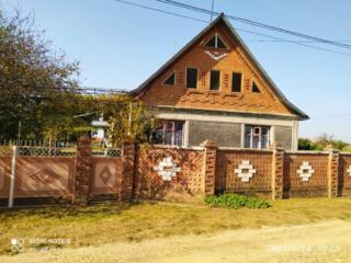Продам дом в Красногорке, центральная трасса. 19 соток!