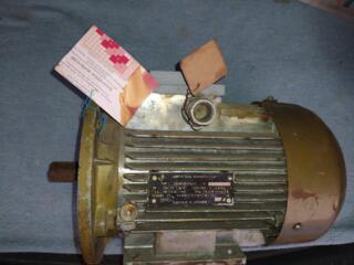 Срочно продам двигатель асинхронный тип 2АИ80В4ПАУЗ. б/у