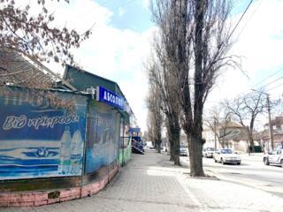 Действующий магазин в центре города