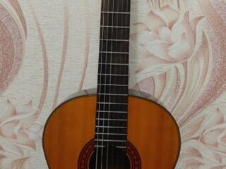 Продам классическую гитару Yamaha C70