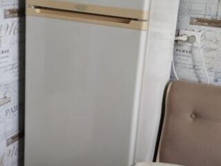 Продаем 2-х камерный холодильник STINOL рабочий в хорошем состоянии.
