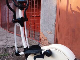 Надёжный, качественный, немецкий эллиптический велотренажёр kettler.