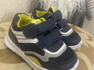 Детские кроссовки chicco, как новые