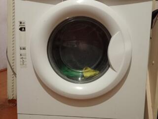 Продам LG стиральную машину 5 кг