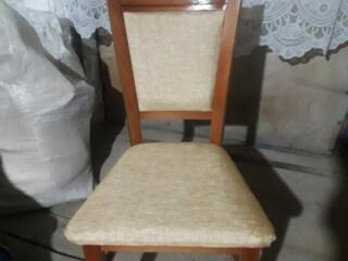 Продаю 4 стула по 380 лей шт. 3 стула по 320 лей шт.