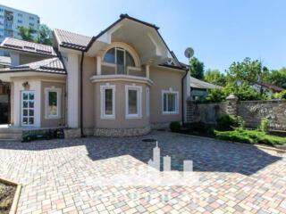 Spre chirie se oferă casă nouă, Centru, str. I. Nistor. Suprafața ...