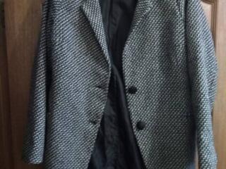Продаём пиджак - пальто, на девочку, от 13 - 18