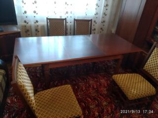 Стол раскладной и 4 стула - 1000 lei