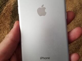 Продам iphone 7 Или обменяю на Samsung s7 edge