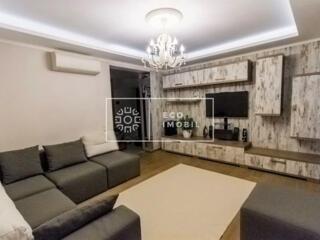 Se vinde apartament în bloc nou cu trei camere, amplasat în sect. ...