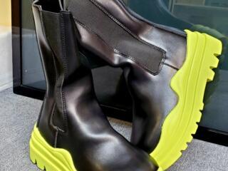 Новые стильные сапожки, демисезон, р-р 37 (маломерки)