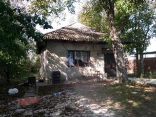 Продается дом 100 кв. м. на участке 6 соток, 3 комнаты, большая кухня,