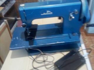 Продам швейную машину Белка