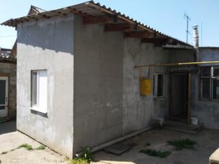 Продается большая 4-комнатная квартира на земле 80 кв. м. центральное