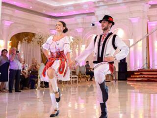 Dansatori la ceremonii Ansamblul Soroceanca