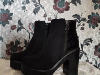 Продам в отличном состоянии ботинки 36 размер