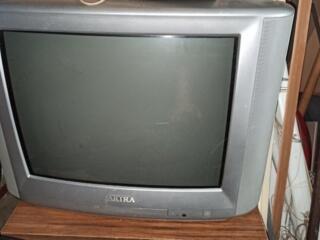 Телевизор akira в отличном состоянии диагональ 54 см.