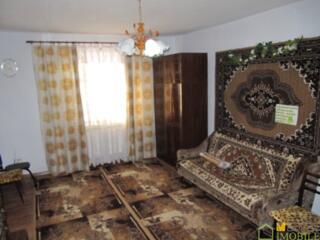 1 эт, дом, 105м2 на 11 сотках, автономка, г. Бельцы по ул. Яблочков