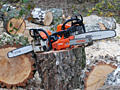 Taierea si despicarea lemnelor in oras si suburbie.