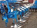 Продаю сельхозтехнику Трактор New Holland T 7060, сеялку и т. д.