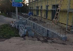 Бригада из Закарпатья выполняет строительные работы. Плитка, кровля,