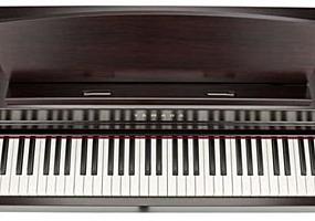 Yamaha CLP-645 Clavinova, LCD, 265 note, 88 clape, 36 voci